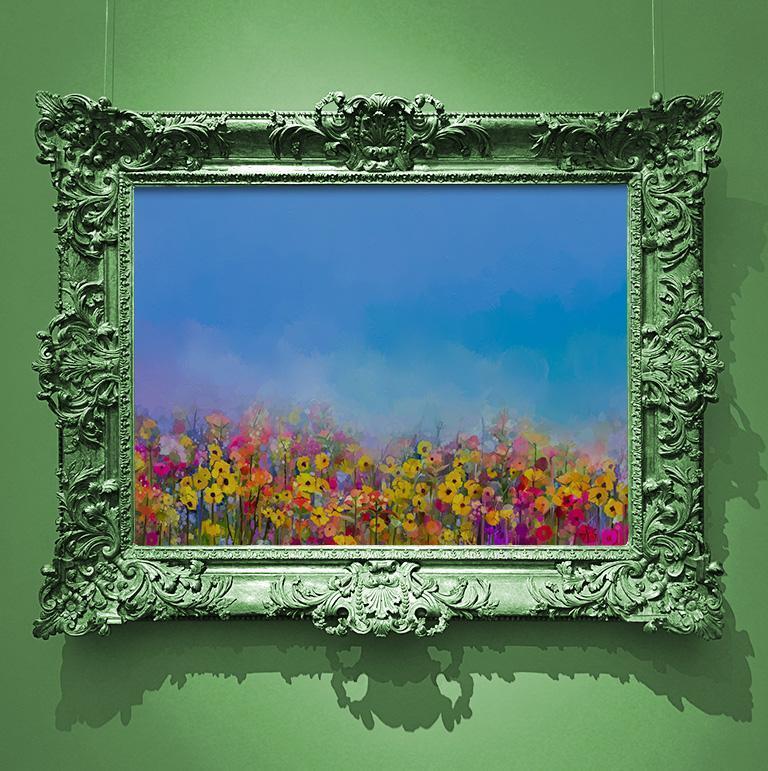 obraz w zielonej ramie wisi na zielonej ścianie