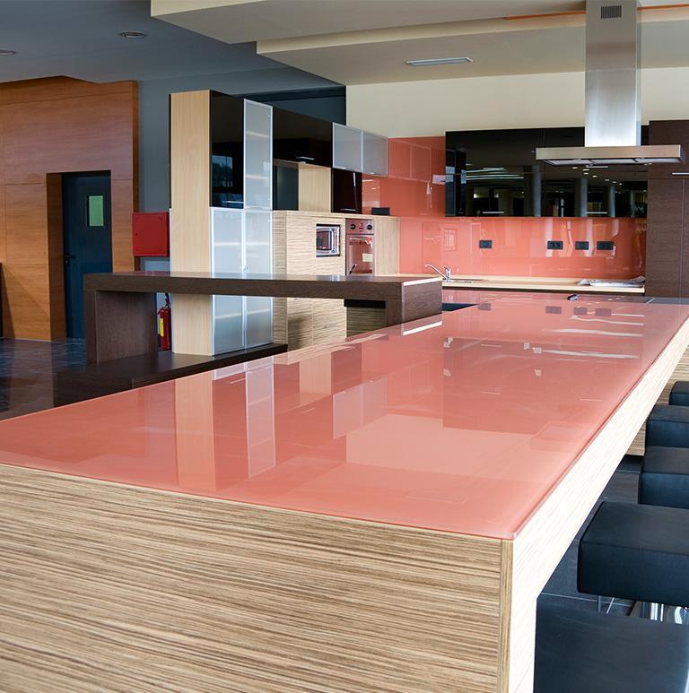 szklany blat w kuchni